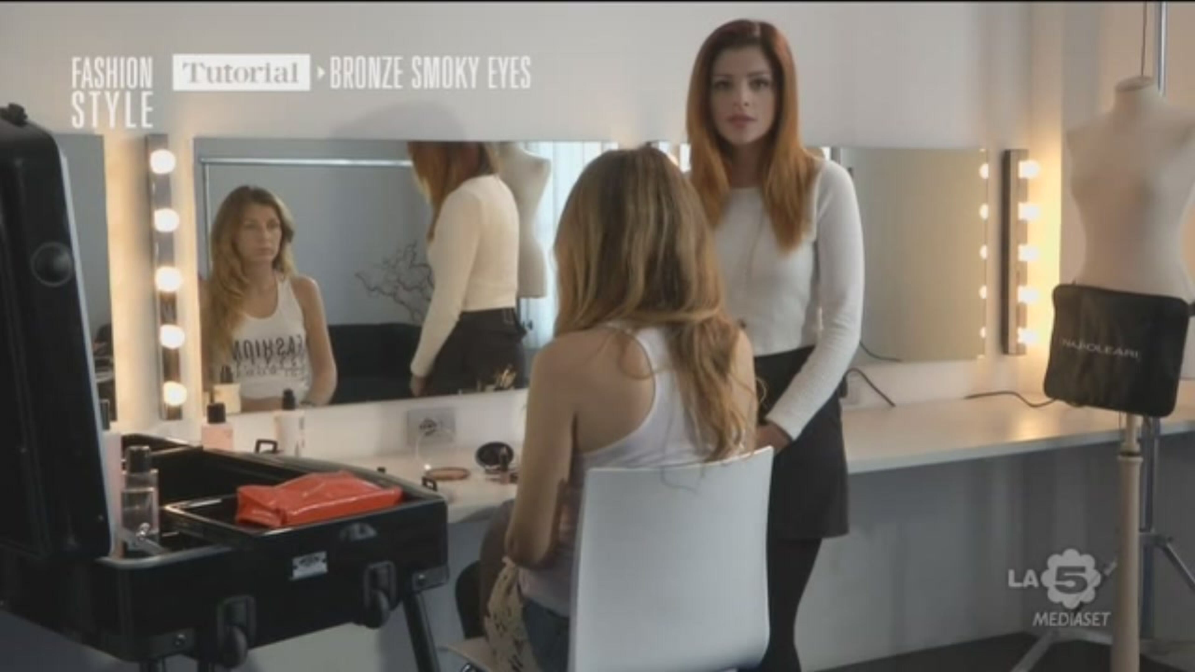 Video Fashion Style Bronze Smoky Eyes Tutorial Mediaset On Demand