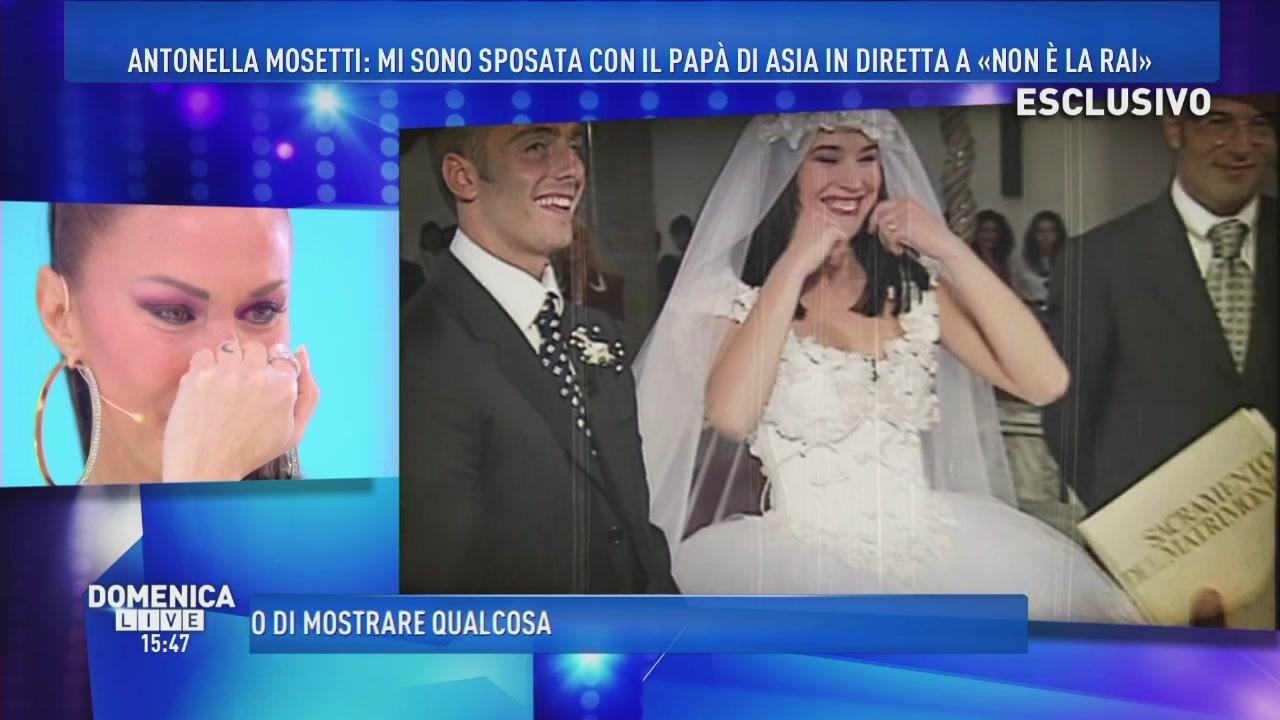 Matrimonio In Diretta : Video domenica live il matrimonio in diretta di antonella