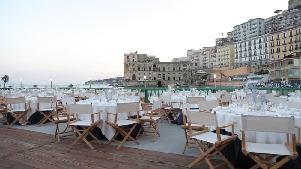 Video Il matrimonio più bello: Bagno Elena - CLIP | MEDIASET ON DEMAND
