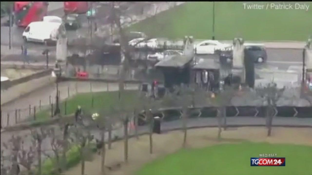 Elicottero Mediaset : Video tgcom londra sotto attacco l intervento della