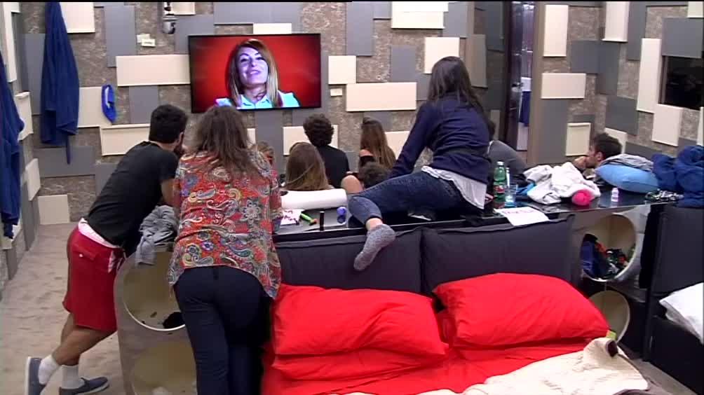 Video Grande Fratello: Il videomessaggio di Verdiana - DALLA CASA ...