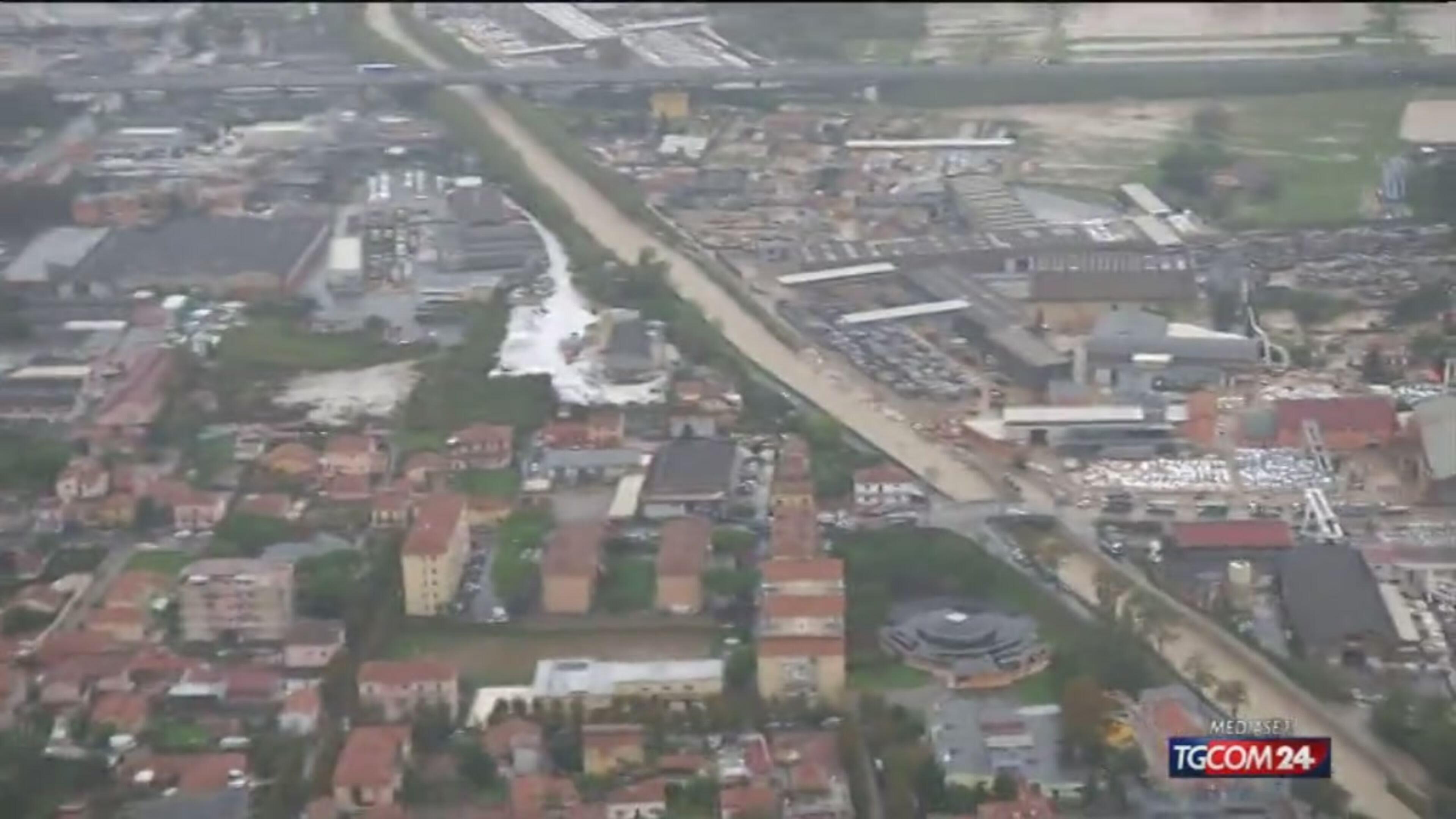 Elicottero Mediaset : Video tgcom carrara dall elicottero mediaset on demand