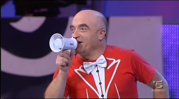 Video Zelig: Donne, è arrivato Rocco! - SKETCH | MEDIASET ON DEMAND