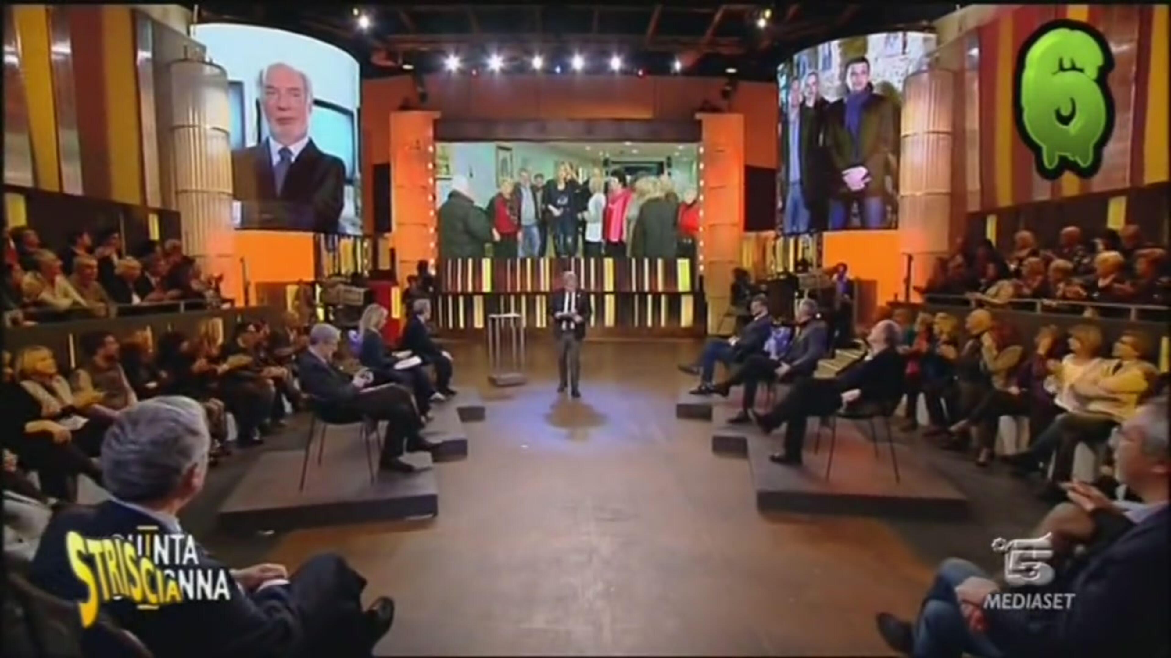Video striscia la notizia i nuovi mostri servizi mediaset on demand - Ciao darwin 7 normali vs diversi ...